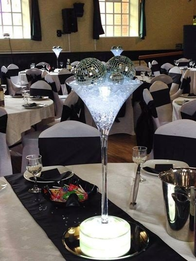 Black and white theme for Danielle and Christopher's wedding